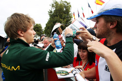 Charles Pic, Caterham signs autographs for the fans
