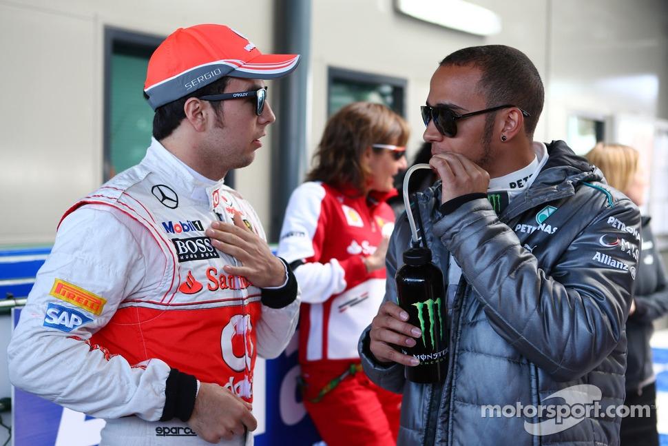 http://cdn-1.motorsport.com/static/img/mgl/1500000/1520000/1525000/1525400/1525451/s1_1.jpg