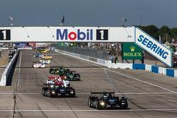 Pace laps: #551 Level 5 Motorsports HPD ARX-03b HPD: Scott Tucker, Marino Franchitti, Ryan Briscoe