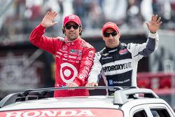 Dario Franchitti, Target Chip Ganassi Racing Honda and Tony Kanaan, KV Racing Technology Chevrolet