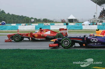 Fernando Alonso, Ferrari F138 and Mark Webber, Red Bull Racing RB9