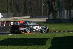 #83 SMG Challenge Porsche 997 GT3 R: Marco Mapelli, Eric Clément, Nicolas Armindo