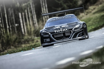 Sbastien Loeb tests the Peugeot 208 T16