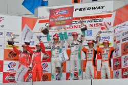 GT500 podium: winners Kazuki Nakajima, James Rossiter, second place Yuji Tachikawa, Kohei Hirate, third place Kazuya Oshima, Yuji Kunimoto