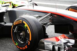 Sergio Perez, McLaren Pirelli tyre steaming
