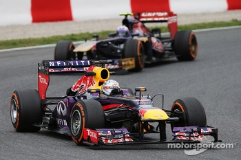 Sebastian Vettel, Red Bull Racing leads Daniel Ricciardo, Scuderia Toro Rosso