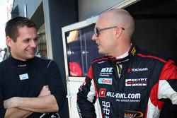 Marc Basseng, SEAT Leon WTCC, ALL-INKL.COM Münnich Motorsport and Robert Huff, SEAT Leon WTCC, ALL-INKL.COM Münnich Motorsport
