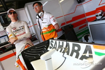 (L to R): Adrian Sutil, Sahara Force India F1 with Bradley Joyce, Sahara Force India F1 Race Engineer
