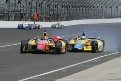 Trouble for Ana Beatriz, Dale Coyne Racing Honda and Carlos Munoz, Andretti Autosport Chevrolet