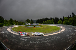 #27 De Lorenzi Racing Porsche 997 GT3 Cup S (SP9): Dario Paletti, Roberto Fecchio, Paul Stubber, #14 Audi race experience Audi R8 LMS ultra (SP9): Marco Werner, Christian Bollrath, Pierre Ehret, Peter Venn