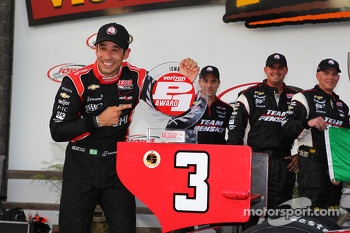 Polesitter Helio Castroneves, Team Penske Chevrolet