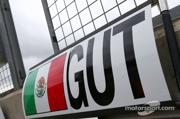 Pit board for Esteban Gutierrez, Sauber