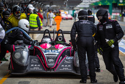 Pit stop for #35 OAK Racing Morgan LMP2 Nissan: Bertrand Baguette, Ricardo Gonzalez, Martin Plowman