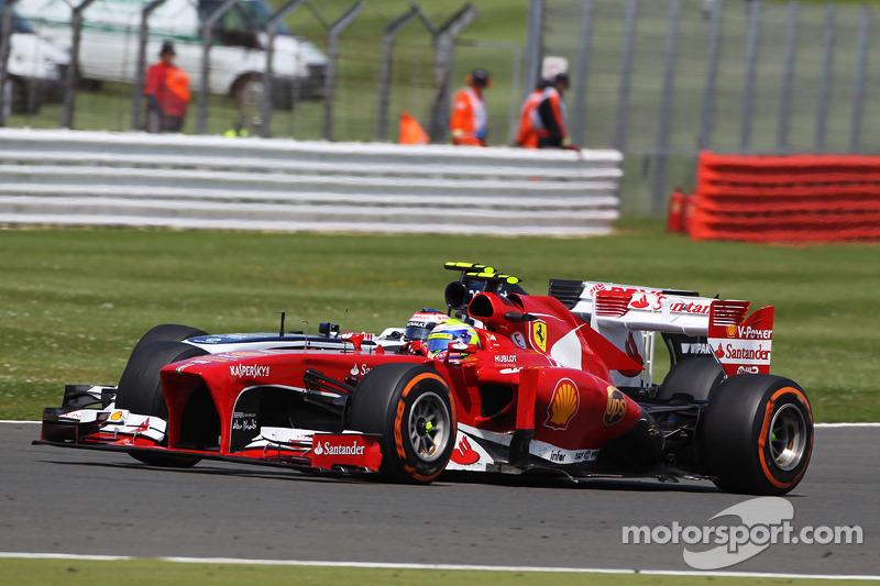 Felipe Massa Ferrari F138 and Valtteri Bottas Williams FW35