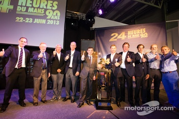 Group shot with Don Panoz, Gérard Larousse, Jim France, ACO President François Fillon, Tom Kristensen, Frank Biela, Emanuele Pirro, Henri Pescarolo and Jacky Ickx