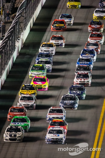 Restart: Jimmie Johnson, Hendrick Motorsports Chevrolet and Jamie McMurray, Earnhardt Ganassi Racing Chevrolet lead the field
