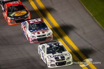 Jimmie Johnson, Hendrick Motorsports Chevrolet, Kevin Harvick, Richard Childress Racing Chevrolet, Tony Stewart, Stewart-Haas Racing Chevrolet