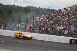 Crash for Joey Logano, Penske Racing Ford