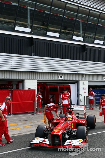 Davide Rigon, Ferrari F2012 Test Driver in the pits