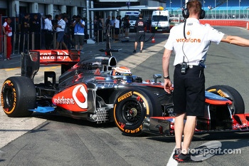 Kevin Magnussen, McLaren MP4-28 Test Driver running sensor equipment