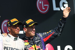 Lewis Hamilton, Mercedes AMG F1 and Sebastian Vettel, Red Bull Racing