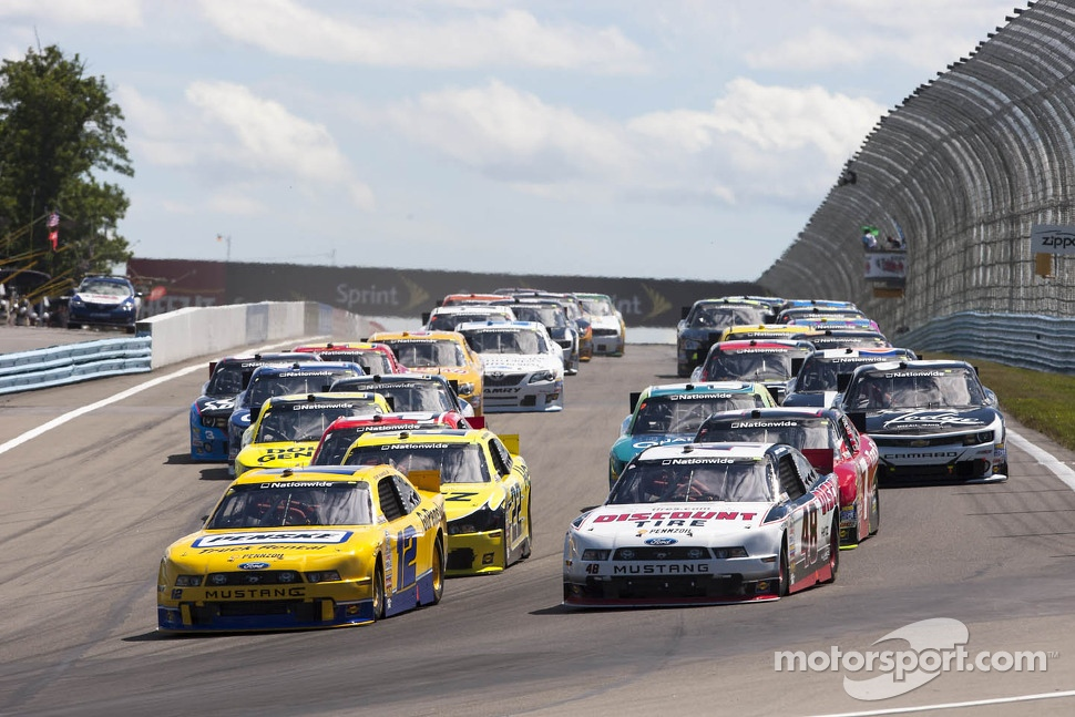 Restart: Sam Hornish Jr. leads