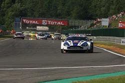 1st lap; #99 Beechdean AMR Aston Martin Vantage GT3: Andrew Howard, Jonathan Adam, Daniel McKenzie, Stefan Mücke