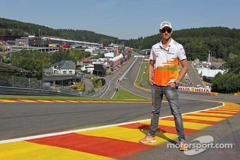 Adrian Sutil, Sahara Force India F1 at Eau Rouge.