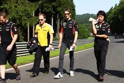 Romain Grosjean, Lotus F1 Team walks the circuit.