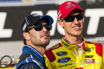Jimmie Johnson, Hendrick Motorsports Chevrolet and Joey Logano, Penske Racing Ford