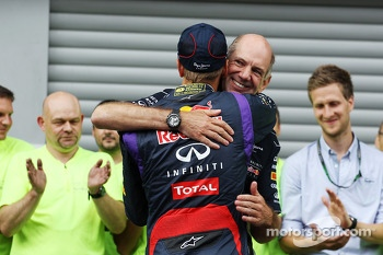 Race winner Sebastian Vettel, Red Bull Racing celebrates with Adrian Newey, Red Bull Racing Chief Technical Officer