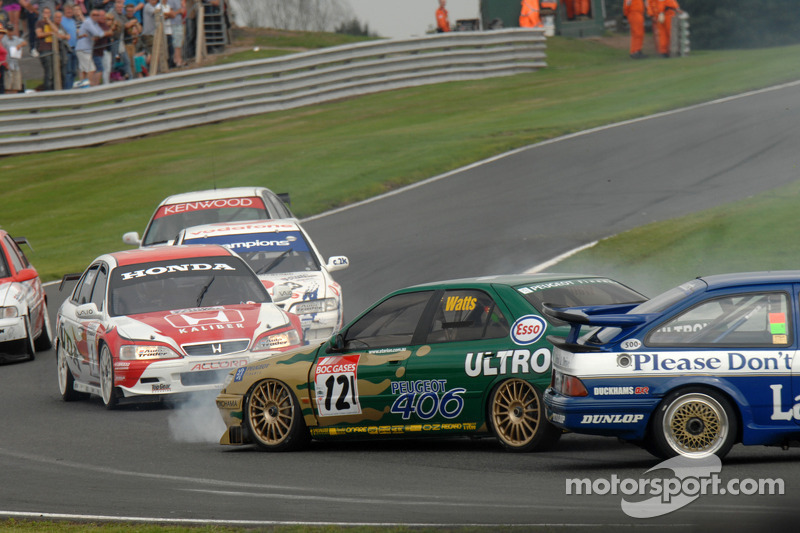 Patrick Watts, Peugeot 406 and Paul Smith Ford Sierra RS500 collide heading down Cascades