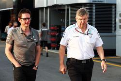 Andrew Shovlin, Mercedes AMG F1 Ingenieur mit Ross Brawn, Mercedes AMG F1 Teamchef