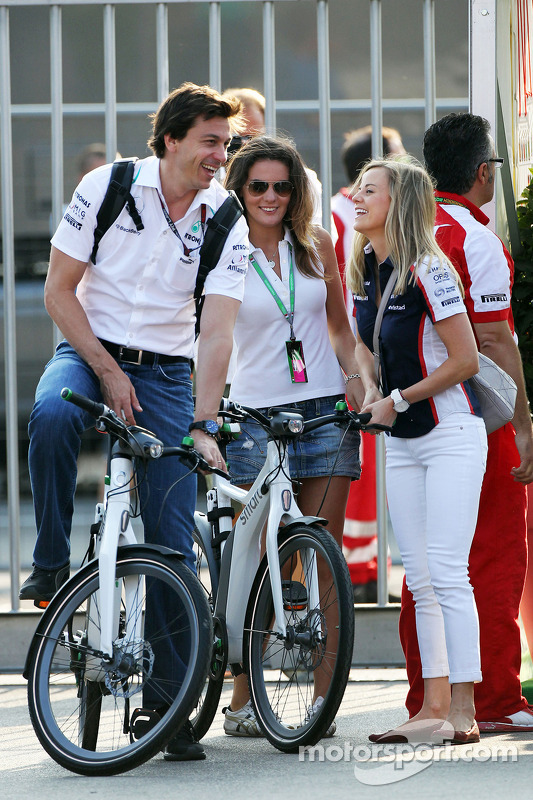 Toto Wolff, Mercedes AMG F1 Shareholder and Executive Director and his wife Susie Wolff, Williams FW35 Development Driver