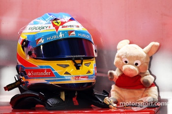The helmet and mascot of Fernando Alonso, Ferrari