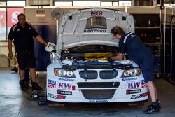 BMW 320 TC in the garage