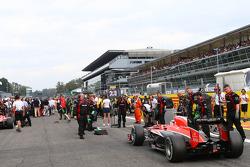 Max Chilton, Marussia F1 Team MR02 on the grid