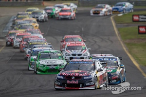 V8 Supercars race action