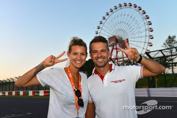 Tiago Monteiro, Honda Civic Super 2000 TC, Honda Racing Team Jas and his wife Diana