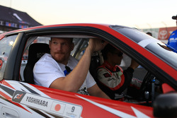 UFC fighter Josh Harnett learns to drift with Daijiro Yoshihara