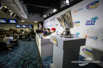 Championship contenders press conference: Jimmie Johnson, Hendrick Motorsports Chevrolet, Matt Kenseth, Joe Gibbs Racing Toyota and Kevin Harvick, Richard Childress Racing Chevrolet
