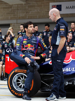 (L to R): Mark Webber, Red Bull Racing and Adrian Newey, Red Bull Racing Chief Technical Officer at a team photograph