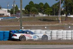 #33 Riley Motorsports SRT Viper GT3-R: Ben Keating, Jeroen Bleekemolen, Marc Goossens spins