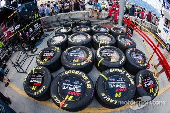 Goodyear tires for Jeff Gordon, Hendrick Motorsports Chevrolet