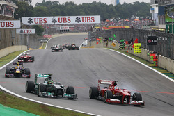 Fernando Alonso, Ferrari F138 and Lewis Hamilton, Mercedes AMG F1 W04 battle for position
