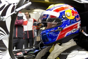 Mark Webber tests the Porsche LMP1 at Portimao