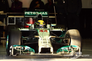 Lewis Hamilton, Mercedes AMG F1 W05 leaves the pits