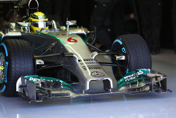 Nico Rosberg, Mercedes AMG F1 W05 front wing and nosecone