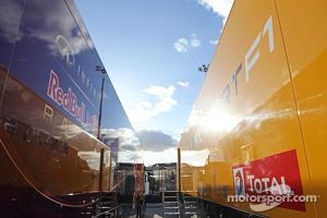 Red Bull Racing and Renault F1 Sport trucks. Formula One Testing, Day Two, Wednesday