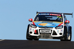 #70 Ford Focus GTC: Grant Denyer, Adam Gowens, Garry Jacobson